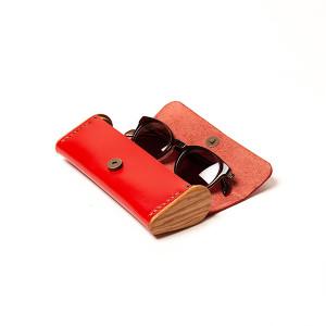 BREATLEY red eyeglass case